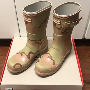 Men's Hunter Short Boot in Desert Camo NIB